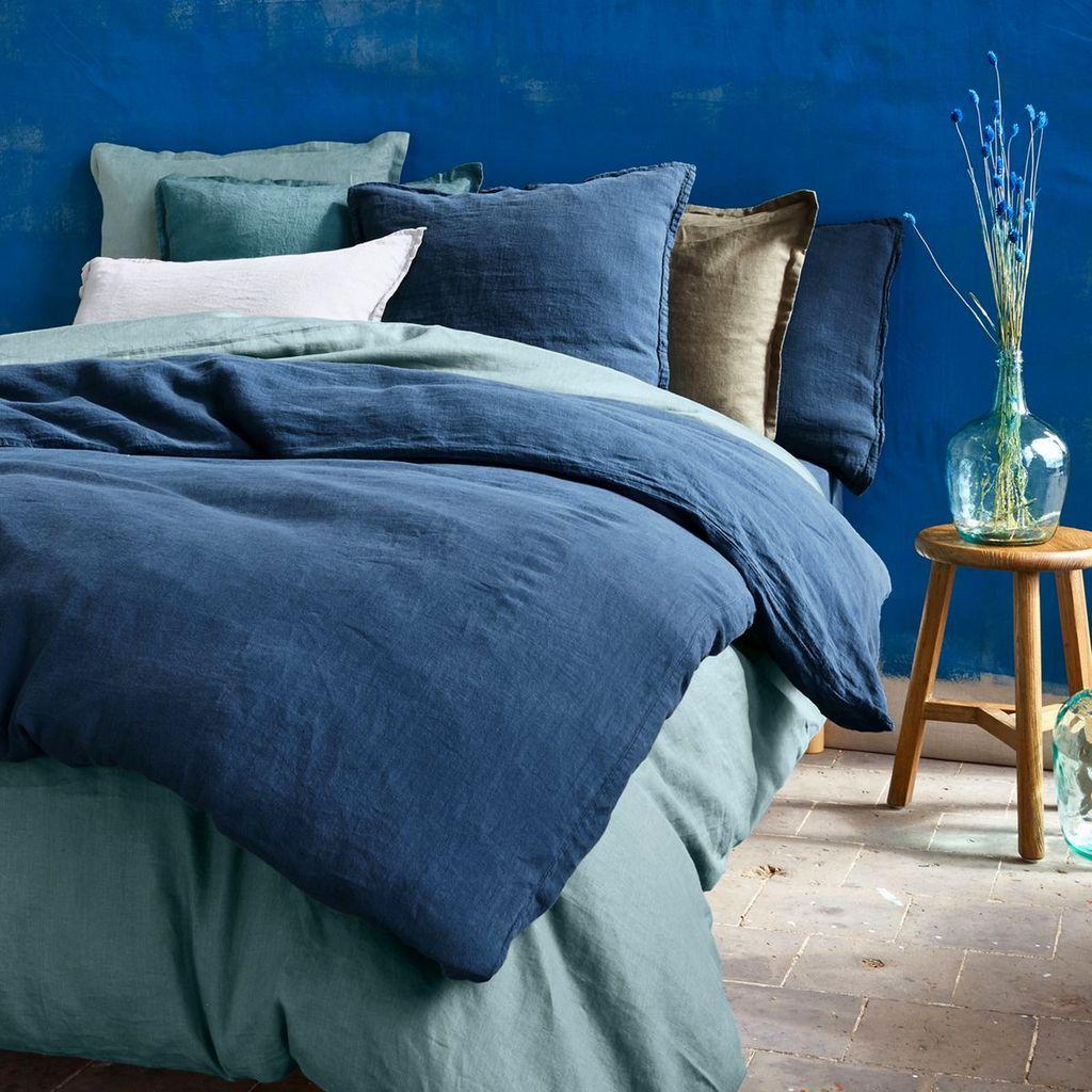 camaieu de bleu dans une chambre classic blue
